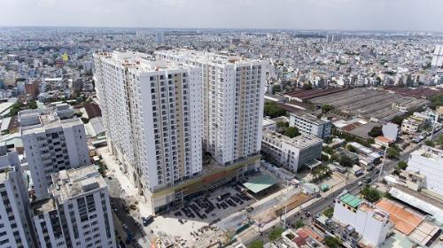 Tên Thương mại của dự án là Oriental Plaza bao gồm cả khu thương mại phía dưới và căn hộ chung cư các tầng trên của tòa nhà. Tuy nhiên dự án còn có một cái tên khác là Southern Dragon.